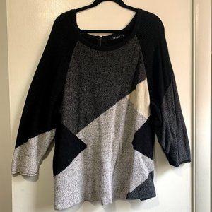 Black Pattern Oversized Sweater w/ Zip Up Back
